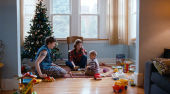 Film-Szenenbild zu Happy Christmas