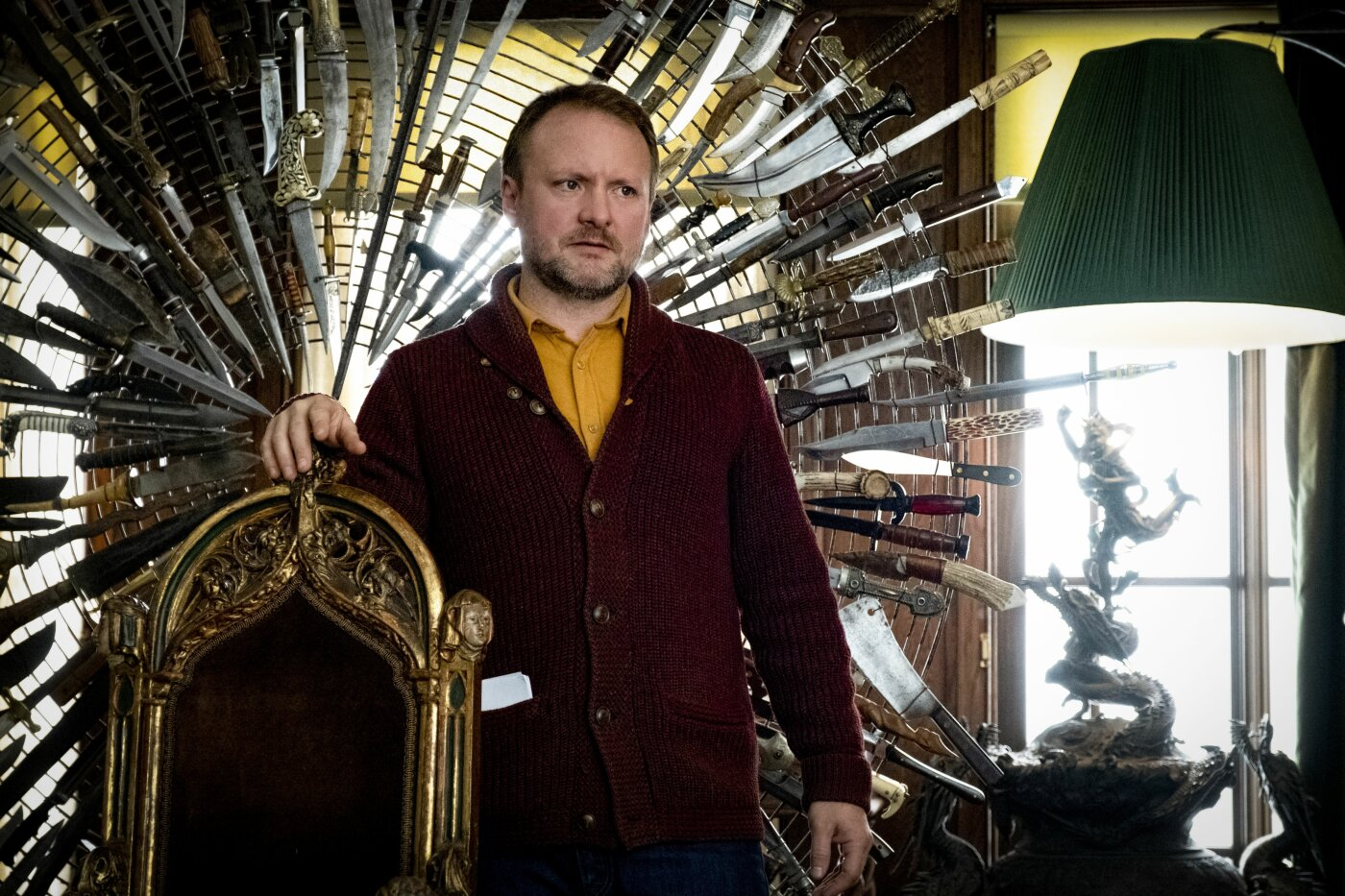 Rian Johnson am Set «Knives Out»