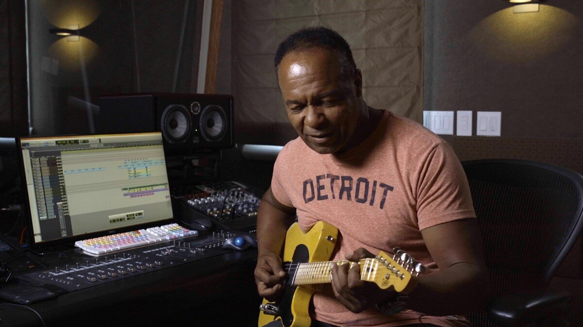 Busting makes him feel good: Ray Parker Jr.